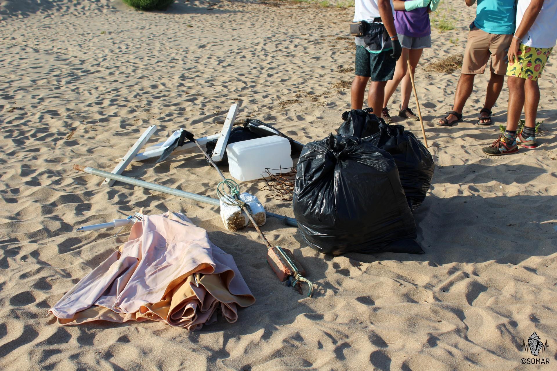 Praia da Luz - lixo quarteto