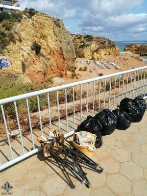 Praia da Dona Ana - lixo
