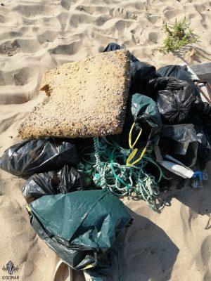 Praia da Luz - lixo espuma